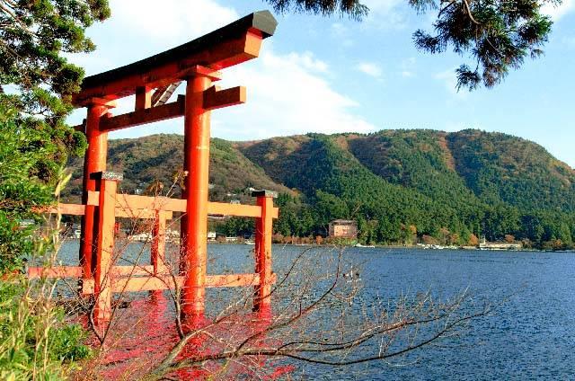 e_箱根神社.jpg