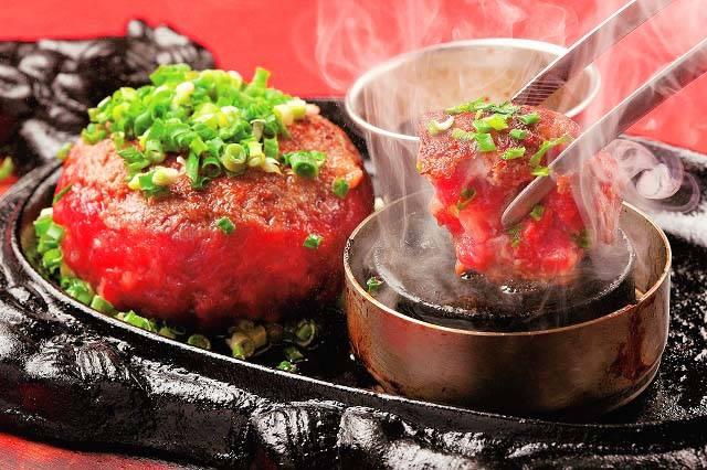 極味やのハンバーグは焼石を使用