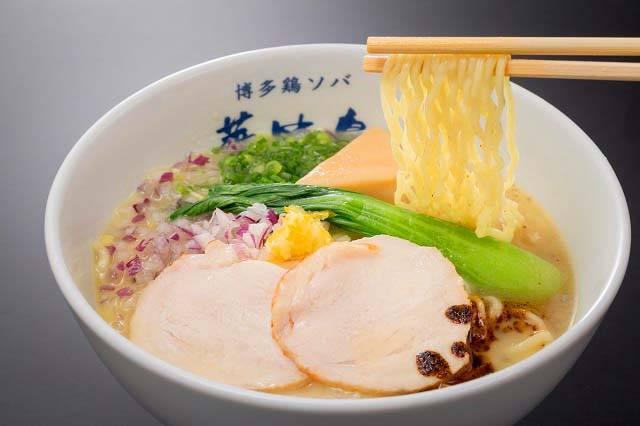 博多鶏ソバ 華味鳥「博多極上鶏白湯ソバ」