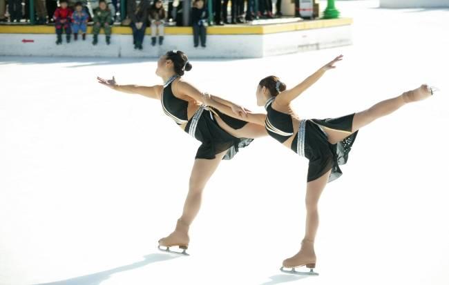 東京女子体育大学フィギュアスケート部.jpg