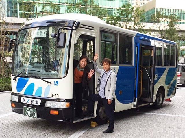 バスの乗車口で太川陽介&蛭子能収コンビ