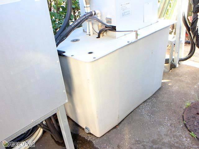 このタンクで5台分が洗えます!.jpg