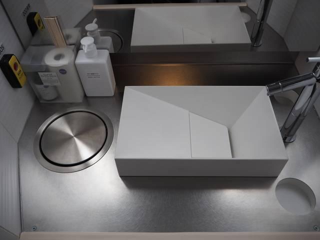 ドリームスリーパーのパウダールームの洗面部分