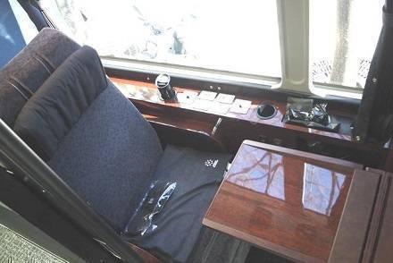 1台1億円!? 超豪華夜行バス「ドリームスリーパー」完全個室の内部を徹底解剖! ゼログラビティシートの座り心地は?