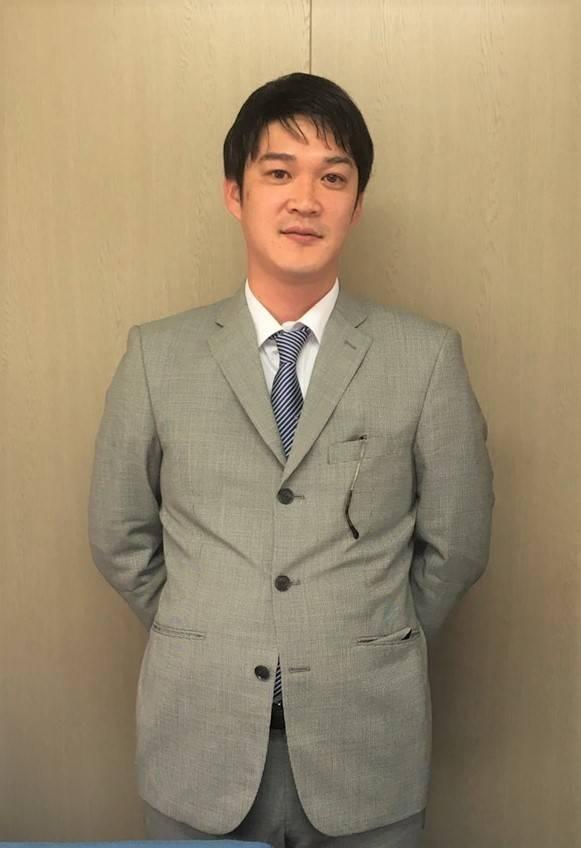 代表取締役とバスドライバーを兼務する檜田昭治氏