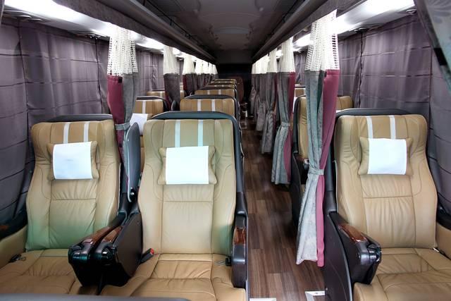 電動リクライニングシートのバス「グランシアファースト」