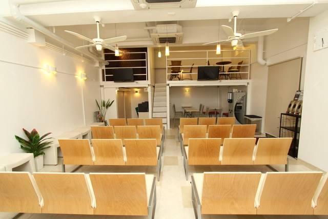 京都VIPラウンジの様子。無料でPCも使えます