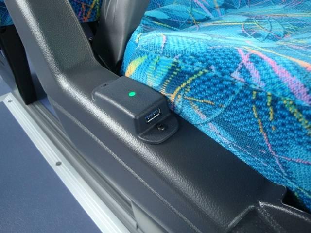 USBポートを全席に搭載