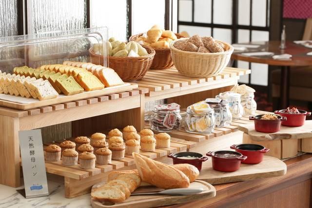 名古屋名物の小倉パンも食べられます