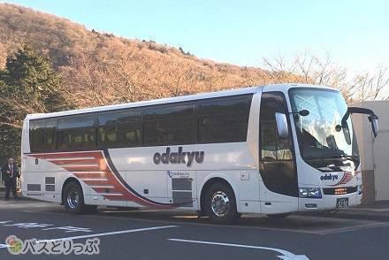 小田急箱根高速バス「箱根線」の乗り心地は? 電車との運賃・所要時間・乗換回数を比較