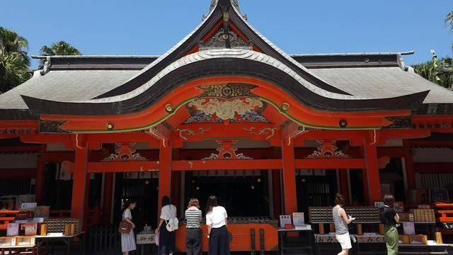 2011年にミシュラン・グリーンガイド・ジャポンで2つ星を獲得した「青島神社」