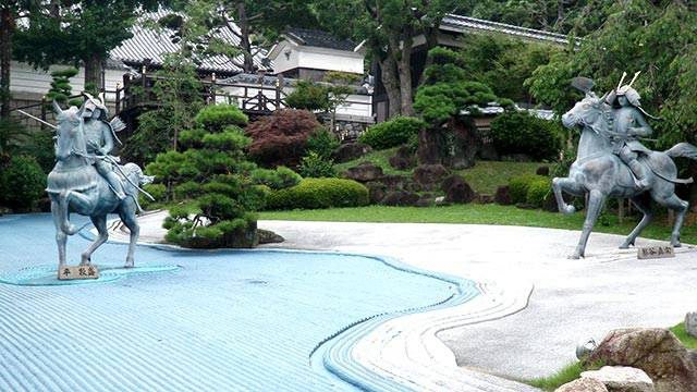 須磨寺の源平の庭(神戸の敦盛塚・須磨寺・和田神社)