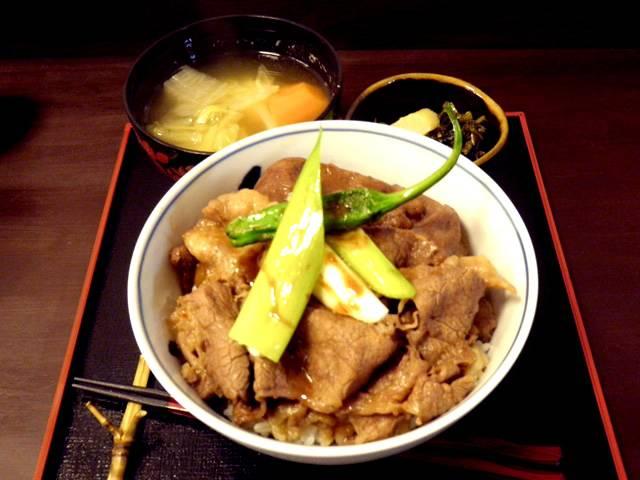 広重の牛丼(神戸ベイエリアと神戸牛丼の広重)