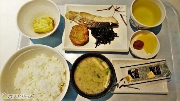 朝食メニューから和風朝食600円。鹿児島らしくさつま揚げも。