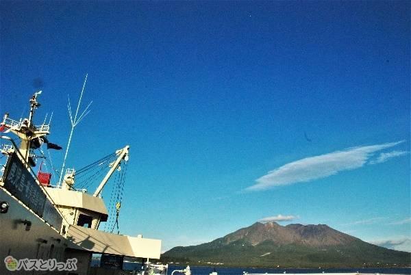 出発は桜島が見送ってくれます。