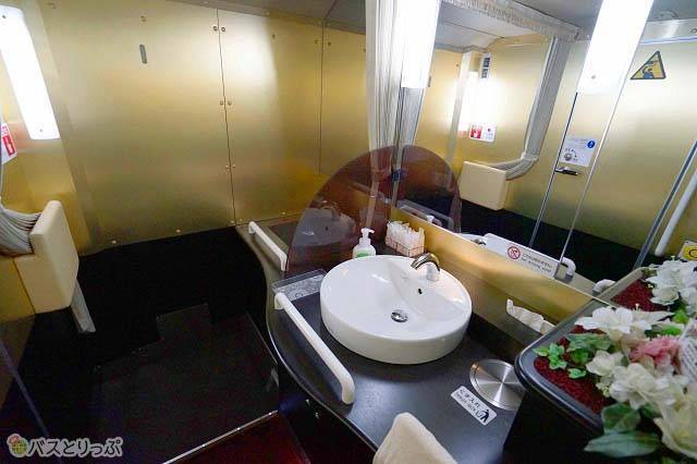 まるでホテルのトイレのような豪華さ