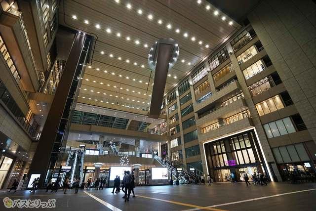 大阪の中心大阪駅