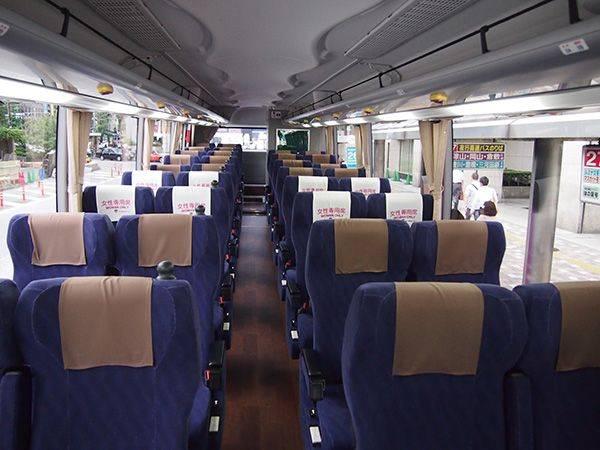 4列シート(アルピコ交通 新型車両 試乗会レポート)