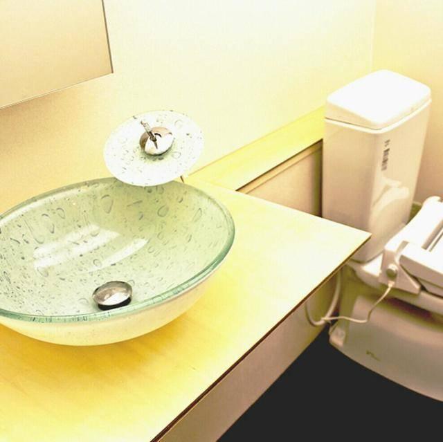 トイレと洗面 画像提供: 「CROSS BORDER」