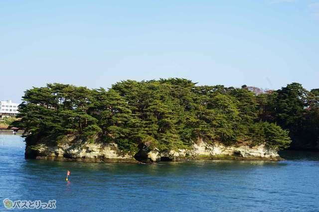 陸からでは見えない島の姿を見ることができる