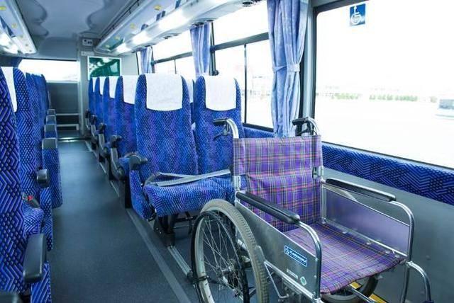 車椅子のまま乗車が可能