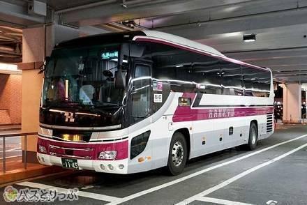 大阪~富山間は列車と高速バスどちらがお得? 阪急バス3列独立シート乗車記