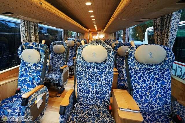シートの模様が座席毎に異なるゆいプリマ