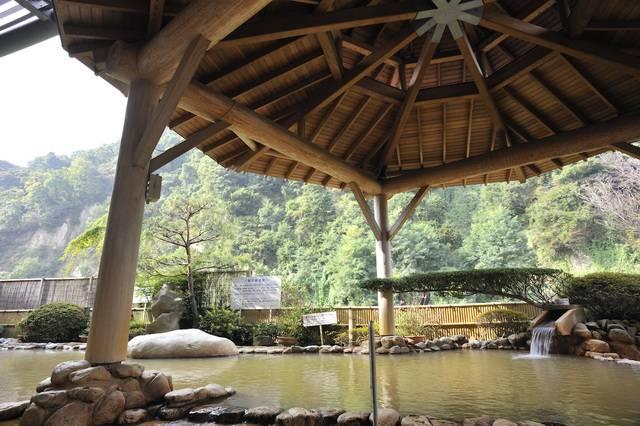 四季折々で異なる風景が楽しめる露天風呂
