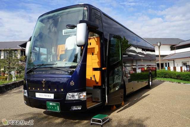 全席ファーストクラスの観光バス「ゆいプリマ」