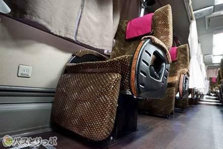 1台のバスで3タイプのシートが選べる! 神姫バスツアーズ「LIMON(リモン)」で行く東京→大阪の旅