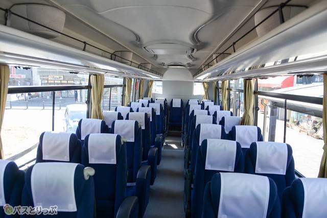 「ガーラ」の車内。バス旅常連者にはおなじみな空間