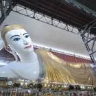 巨大涅槃仏(ねはんぶつ)があるチャウッターヂー・パゴタ