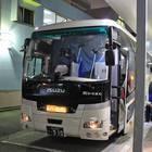 品川バスターミナルにて乗車改札中の「ルブラン号」