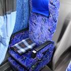 通路カーテンや充電用USBポートも装備している