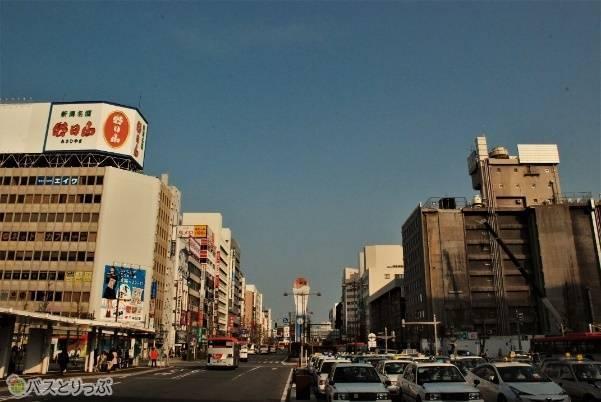 新潟駅 万代口を出たところ