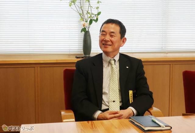 石見交通の総務部長・小川さん