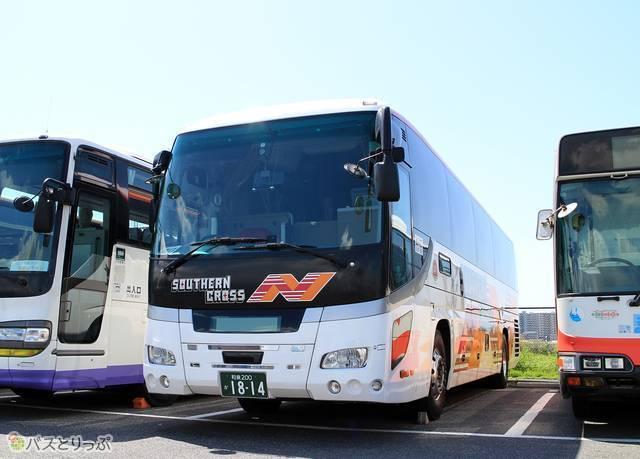 「サザンクロス和歌山号」に投入される南海ウィングバスのいすゞガーラHD
