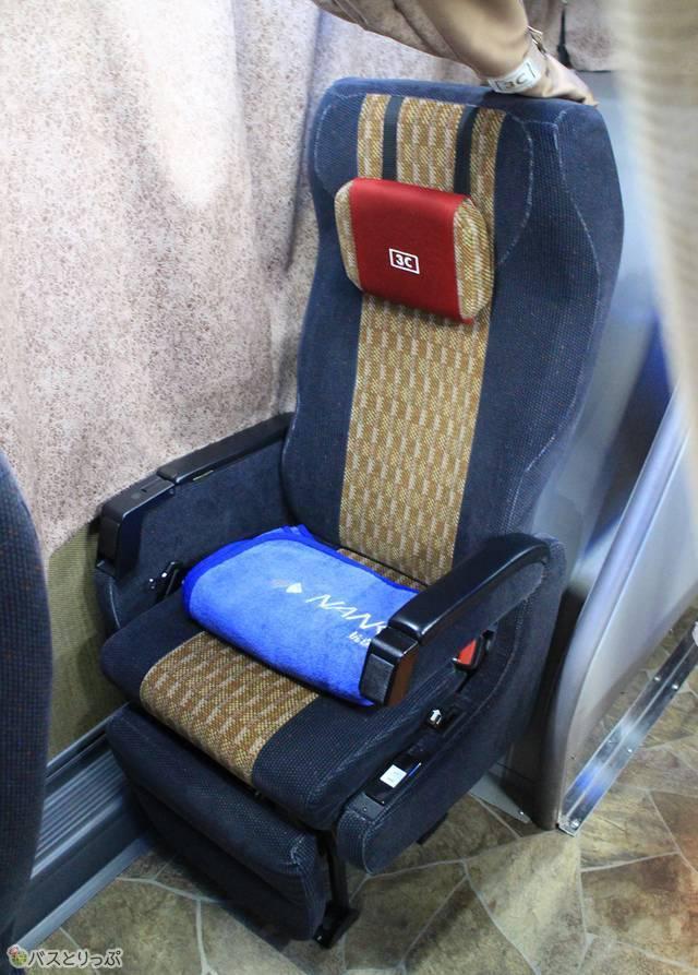 可動式枕も搭載するシート