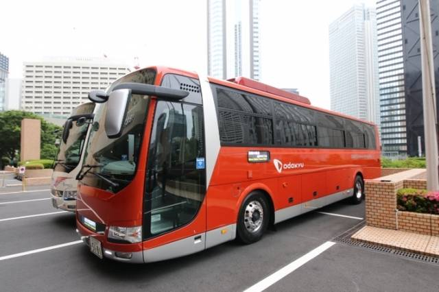GSEカラーバス外観