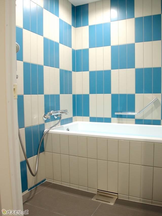 洗い場付きで広々としたバスルーム