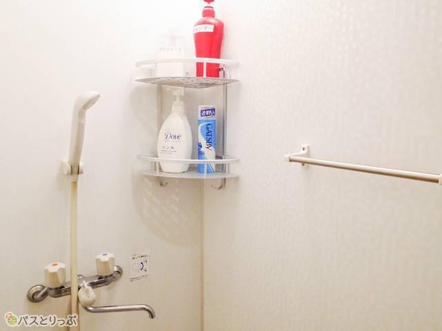シャワールーム。シャンプーやボディソープは備え付けです