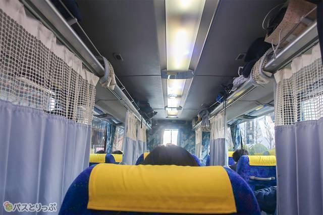 ここが私の座席です。この後、全部のカーテンが閉まりました