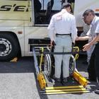 車椅子リフト実演