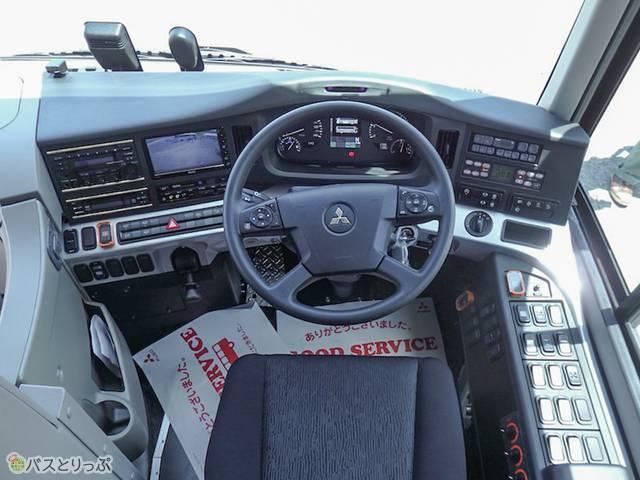「三菱ふそうエアロエース」運転席