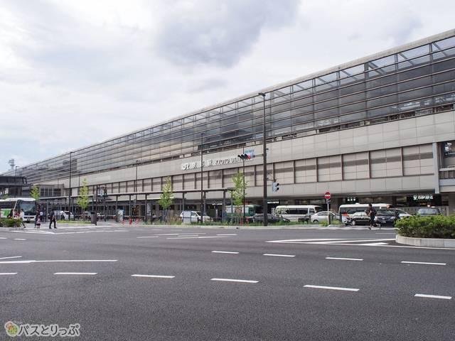 JR京都駅の八条口は比較的静かなエリア