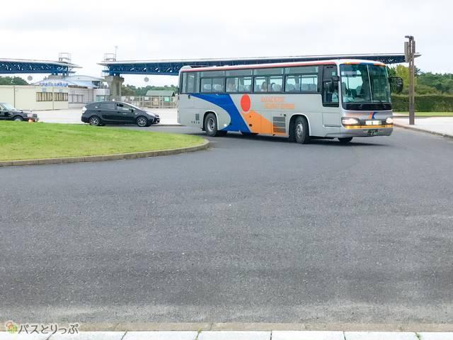 「勝田・東海線」の高速バスがやってきました