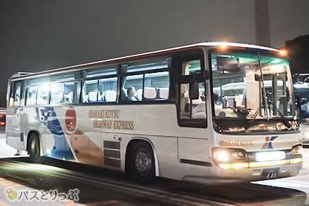 乗れるかドキドキ「先着順の座席定員制」…4列シート・無料Wi-Fi・トイレ付、茨城交通「勝田・東海線」高速バス乗車記