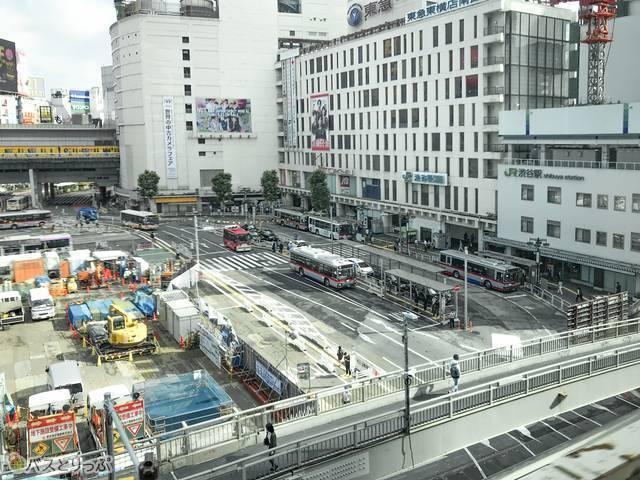 渋谷発羽田空港行きのリムジンバスから見た再開発が進む渋谷駅西口