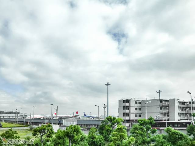 渋谷発羽田空港行きのリムジンバスから見た羽田空港周辺