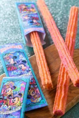 チュロス(メイプルパンプキン) 1本 350円(c)Disney